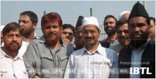 anna with muslim, Arvind kejriwal with muslim leaders, muslims against anna, IBTL